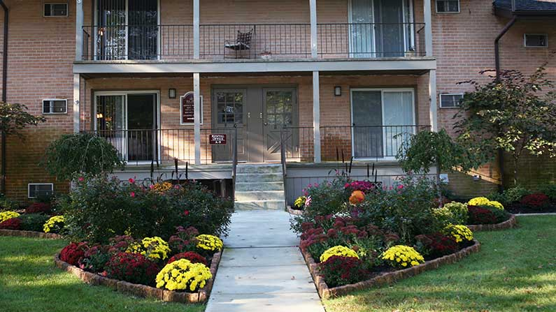 Garden And Entrance To Sea Aire Apartments In Somers Point