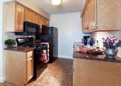 Springfield Valley Apartments kitchen