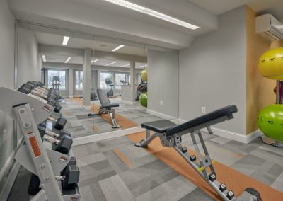 Willowyck Apartments fitness center with free weights