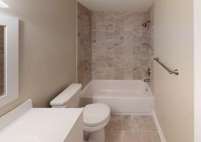 Eldorado Court Apartments 2 bedroom bathroom