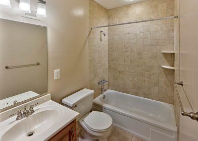Chestnut House Apartments bathroom