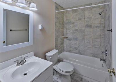 Audubon Apartments bathroom