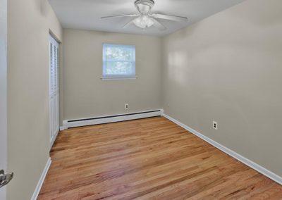 Clements Court Apartments interior bedroom